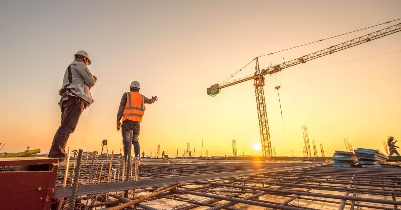 How Construction Management Works Alongside Project Controls